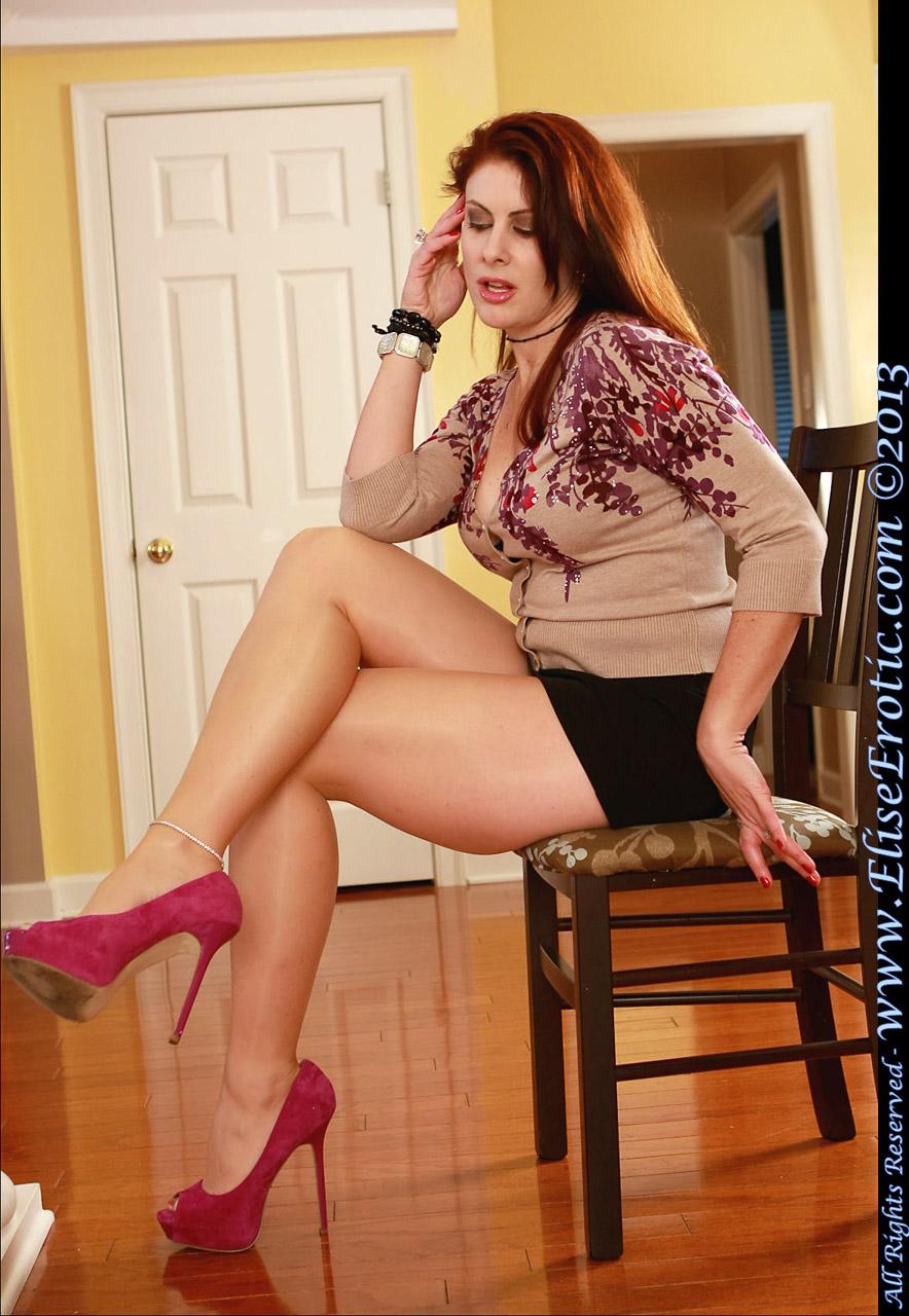 Elise erotic sexy legs free