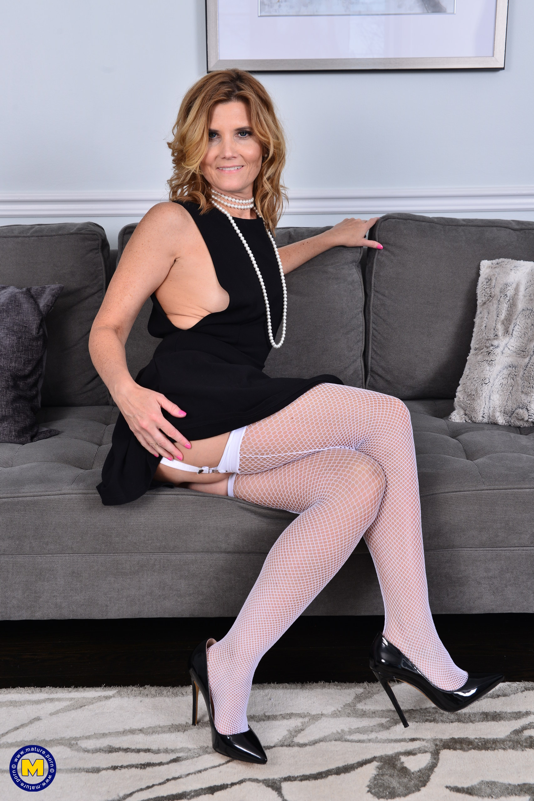 American Milf Nude glamour images | alby daor naked galleries and videos