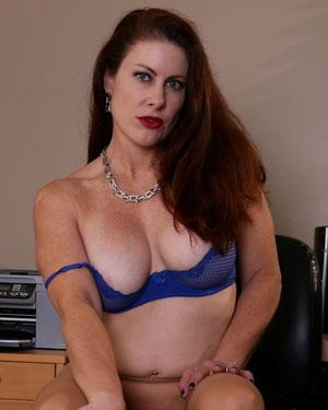 Elise Erotic Office Babe