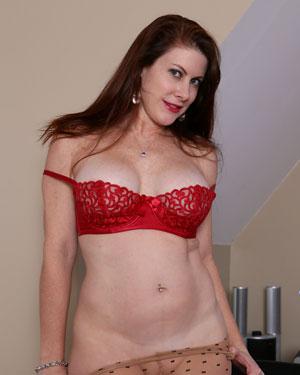 Elise Erotic Red Suit